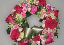 Grabschmuck, Kranz, Rosen, Hortensien, rosa-rot
