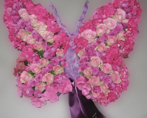 Trauerfloristik Grabschmuck für Kind, Kissen, Schmetterling, Rosen, Hortensien, rosa