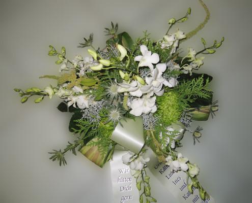 Trauerfloristik Grabschmuck Gesteck, Orchideen, Chrysanthemen, grün-weiß