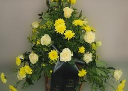 Grabschmuck Gesteck gelb, Rosen, Chrysanthemen