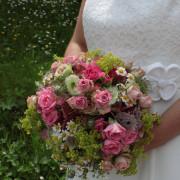 Hochzeit Brautstrauß rund Rosa, Rosen, Hortensien