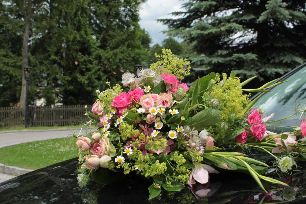 Hochzeitsfloristik Autoschmuck Rosa, Rosen, Hortensien