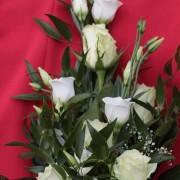 Ballstrauß weiß, Rosen, Eustoma